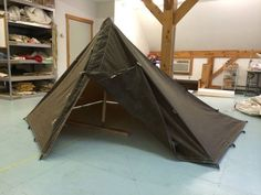Tentsmiths & Pathfinder Survival are prooud to offer the Pathfinder Scout Tarp, a hybridized version of the George Tent. Bushcraft Gear, Bushcraft Camping, Camping Survival, Camping Hacks, Camping Guide, Homestead Survival, Wilderness Survival, Survival Skills, Camping Tarp