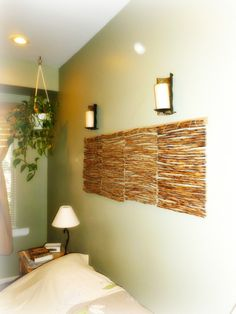 Bedroom Wall Feature   Hang Wooden Place Mats Together Above The Bed As An  Alternative To