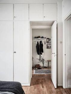 Post: Un rincón de trabajo en el salón --> blog decoración nórdica, decoración interiores, decoración salones, espacio almacenaje decoración, espacios de trabajo, estilo nórdico escandinavo, interiores espacios pequeños, oficina en casa, oficina salon, rincon trabajo en casa, texturas decoración