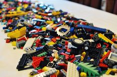 Last weekend we celebrated the big SeVeN  with a Lego party. The boys had a great time and I have to admit it was really easy to plan and ve...