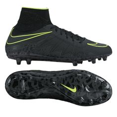 Remind goalies why they have every reason to be afraid of the dark. Nike's #PitchBlackPack features one of the deadliest boots on the field right now with a pitch black colorway. The stud pattern was designed for agility and the studs dig into the ground like claws for quick cuts and sharp changes of direction. Bury every opportunity in the new HyperVenom Phantom colorway. Click the image to get your pair today.