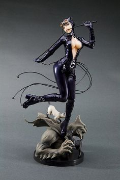 DC Comics Bishoujo Statue Catwoman As soon as one mentions terms just like old exceptional Math Comics, Bd Comics, Comics Girls, Catwoman Images, Batman And Catwoman, Marvel Dc, Bishoujo Statue, Figure Poses, Toy Art
