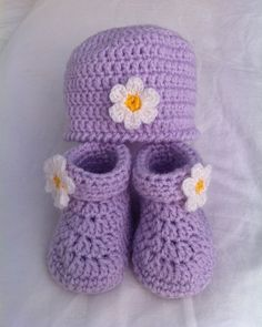 Crochet Baby Hat & Booties Set, free pattern
