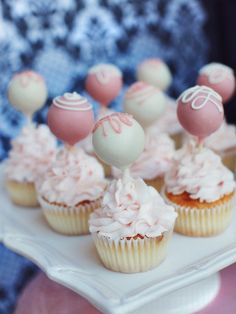 Cupcakes with cake pops