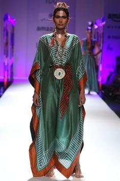#shopnow #newcollection #straightofftherunway #aifwaw16 #anupamadayal #designer #clothing #perniaspopupshop