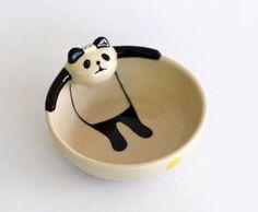 15 Cool Bowls and Creative Bowl Designs. I love pandas! I extra love panda bowls! Ceramic Tableware, Ceramic Clay, Ceramic Bowls, Pottery Bowls, Pottery Art, Panda Bowl, Pottery Videos, Bowl Designs, Ceramic Animals