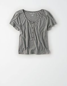 Shop Cropped Shirts for Women at American Eagle to find your new favorite crop tops. Browse cropped t-shirts and tops in new styles, colors, and designs today only from AE! American Eagle Outfits, American Eagle Shirts, Cute Summer Outfits, Cute Outfits, Cute Fashion, Fashion Outfits, Mens Outfitters, Eagle Outfitters, Tumblr Outfits