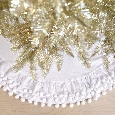 shabby chic tree skirt with pom pom Shabby Chic Christmas Ornaments, Bohemian Christmas, Pink Christmas, Christmas Decorations, Merry Christmas, Holiday Decorating, Vintage Christmas, Christmas Projects For Kids, Christmas Ideas
