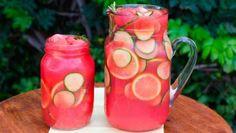 Smoothie mit Wassermelone gegen Blähungen 1/2 Wassermelone 1 Bund Sellerie 1 Gurke 1 Zitrone (aus biologischem Anbau, da auch die Schale verwendet wird) 1,5 L Wasser