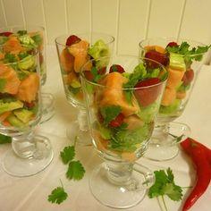 Edel's Mat & Vin : Ceviche av laks med bringebær & avokado