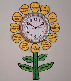 This is a fun kit to decorate the clock in your Spanish classroom and help your students learn how to tell time in Spanish. Comes with yellow petals and green stems/leaves and a white version to print on your own colored or patterned paper if you'd like. Spanish Worksheets, Spanish Activities, Listening Activities, Spanish Games, Time Activities, Spanish Lesson Plans, Spanish Lessons, French Lessons, Spanish Language Learning