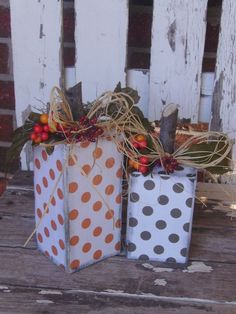 Polka-dot wooden pumpkins Love the polka-dots! This would be great for those big block pumpkins you wanted from the deck posts. Thanksgiving Crafts, Fall Crafts, Holiday Crafts, Holiday Fun, 4x4 Crafts, Wood Crafts, Holidays Halloween, Halloween Crafts, Halloween Decorations