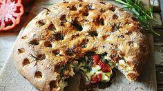 Для того, чтобы приготовить этот вкуснейший хлеб, который жители средиземноморья называют фокаччой, нам понадобятся: Четыре …