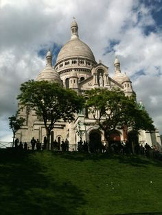 Paris de novo, e de novo, e de novo. E ainda não é suficiente! Ali começou minha segunda #eurotrip, dessa vez só na mochila ;) #TBT #Paris