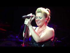 "Kelly Clarkson - ""You And I""(Lady Gaga cover) - Houston, Tx"