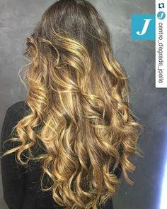 Lo stile Degradé Joelle! #cdj #degradejoelle #tagliopuntearia #degradé #igers #musthave #hair #hairstyle #haircolour #longhair #oodt #hairfashion #madeinitaly #workhairstudiovittorio&tiziana #roma #eur