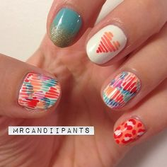 """Love love love these nails. The overlapping lines is one of my new favorite designs, and I think it'll transition super nicely into more """"fally"""" colors."""