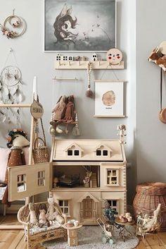 Best Playroom Storage Design Ideas - Hamda Al Muhairi - Beyond Binary Playroom Storage, Playroom Design, Playroom Ideas, Storage Baskets, Storage Ideas, Plan Toys, Victorian Dollhouse, Storage Design, Little Girl Rooms