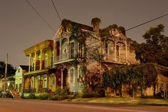 Haunting Photos Of New Orleans Homes Reveal Louisiana's Architectural Ghosts