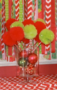 GRINCH or Christmas Party Wand Favors or Centerpiece ]by Pretti Mini. www.etsy.com/shop/prettimini  Sets start at $20.00