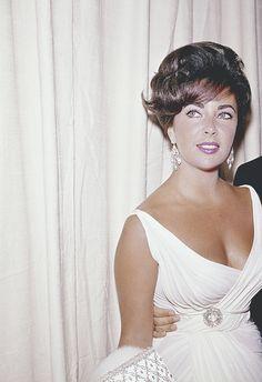 """""""Elizabeth Taylor in 1962. """""""