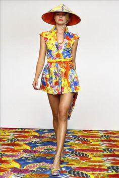 Guarda la sfilata di moda Philosophy di Alberta Ferretti a New York e scopri la collezione di abiti e accessori per la stagione Collezioni Primavera Estate 2011.
