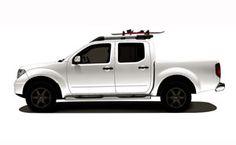 White Nissan Navara (Frontier)