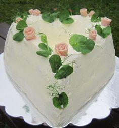 Onnelin pikku keittiö: Sydämellinen kinkkuvoileipäkakku Cake, Desserts, Food, Red Peppers, Tailgate Desserts, Deserts, Kuchen, Essen, Postres