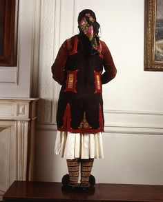 Description Festive costume from Aghioi Pantes, Thesprotia in Epirus. Worn in several villages of that area up to the northern border of Greece in variations. Greek Traditional Dress, Dance Costumes, Greek Costumes, Greek Culture, Pli, Folk Costume, Greece, Wedding Dresses, Albania