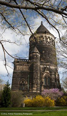 The James A. Garfield Memorial on a spring morning, by @Kolman Rosenberg