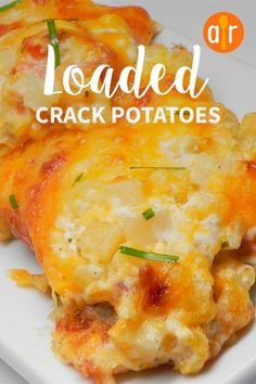 "Loaded cracked potatoes ""Guaranteed the best potatoes you'll ever make! This recipe feeds a Crack Potatoes Recipe, Potatoe Casserole Recipes, Best Potato Recipes, Potato Casserole Hash Brown, Twice Baked Potato Casserole, Cheesey Potatoes Casserole, Good Recipes, Cheesy Potatoes With Hashbrowns, Funeral Potatoes Recipe"
