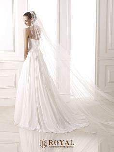 板橋蘿亞手工婚紗 Royal handmade wedding dress 婚紗攝影 購買婚紗 單租婚紗 西班牙 Pronovias BELUCI
