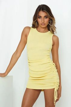 Sexy Yellow High Neck Tank Ruched Mini Bodycon Summer Dress. Women's Yellow Ruched Tight Short Summer Party Tank Dress Women's Short Sundress, Yellow Sundress, Yellow Dress Summer, Short Lace Dress, Cute Summer Outfits, Summer Dresses For Women, Yellow Clothes, Brunch Outfit, Shorts With Tights