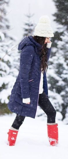 #winter #fashion / blue + red color pop