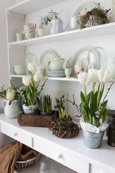 Have a Green (gate) Easter! Ad your favourite Easter accessories to your home décor to make the perfect feeling at home Photo credit to @villa_koenig