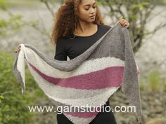 "Tide Rose / DROPS 172-20 - Knitted DROPS shawl with short rows and stripes in ""Brushed Alpaca Silk"". - Free pattern by DROPS Design"