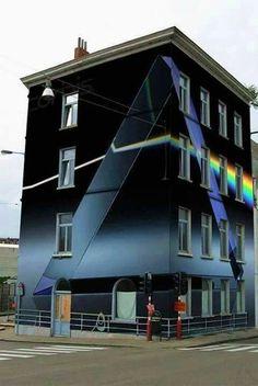 Dark side of the moon Imagenes Pink Floyd, Arte Pink Floyd, Pink Floyd Dark Side, Roger Waters, High Hopes, Building Art, Everything Pink, Led Zeppelin, Rock N Roll
