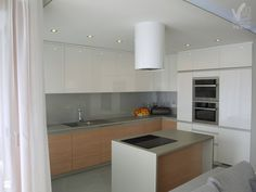 Kuchnia w naturalnych odcieniach - Kuchnia - Styl Minimalistyczny - VERSIGN Studio Projektowania Wnętrz