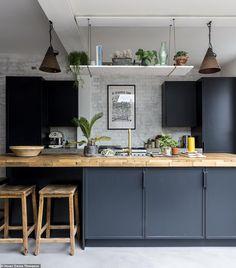 kitchen flooring Concrete kitchen floors in modern blue kitchen Industrial Style Kitchen, Eclectic Kitchen, Home Decor Kitchen, Home Decor Bedroom, Kitchen Interior, New Kitchen, Kitchen Ideas, Long Kitchen, Awesome Kitchen
