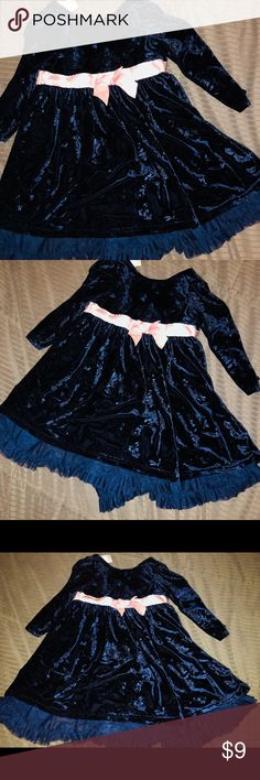 Navy blue velvet holiday dress with pink bow 4T Gently worn navy blue velvet dress with tulle skirt (attached) underneath, pink bow detail with buttons. No flaws or fading. Does not stretch in width. Dresses Formal