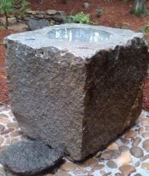 Hand carved granite bird bath sculpture Stone Carving, Wood Carving, Stone Bird Baths, Bird Fountain, Stone Basin, Dry Stone, Iron Work, Modern Sculpture, Water Garden