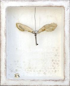 Winged Key Series: © 2012 Laly Mille x x / 26 x 32 x 5 cm Mixed media assemblage on plaster, wire and paper Mixed Media Artists, Mixed Media Collage, Collage Art, Mixed Media Artwork, Sculptures Céramiques, Art Sculpture, Abstract Sculpture, Bronze Sculpture, Found Object Art