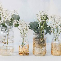 Wedding Table Decor - Customize recycled bottles for your wedding decor - Hochzeit - Succulent Centerpieces, Diy Centerpieces, Succulent Table Decor, Centrepieces, Glitter Vases, Wedding Table Decorations, Table Wedding, Diy Wedding Deco, Decor Wedding