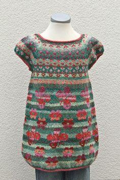 Kaffe Fasset style - just gorgeous Knitting For Kids, Knitting Projects, Baby Knitting, Fair Isle Pattern, Fair Isle Knitting, Pulls, Knitwear, Knit Crochet, Knitting Patterns