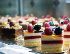Berry fruit cake squares