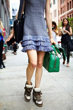 6cefdbe10327 Pretty dresses worn with sneakers I Love Fashion