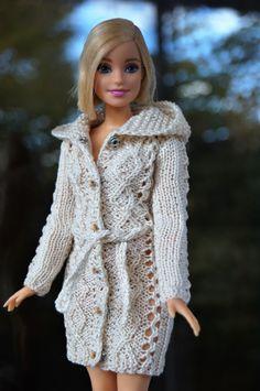 Barbie Clothes, Diy Clothes, Barbie Dolls, Barbie Song, Painted Denim Jacket, Crochet Jacket, Diy Dress, Crochet Dolls, Pink Blue