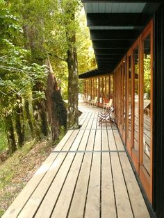 Image 10 of 37 from gallery of Recycled Materials Cottage / Juan Luis Martínez Nahuel. Photograph by Juan Luis Martínez Nahuel Landscape Architecture, Landscape Design, Architecture Design, Interior Exterior, Exterior Design, Outdoor Spaces, Outdoor Living, Cottage In The Woods, Outdoor Projects