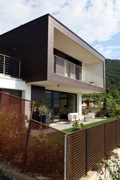 Villa bifamiliare a Paratico - vista esterna della villa con giardino - architettura