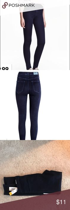 NWT H&M stretchy dark blue jeggings Never worn and new with tags jeggings. Super comfy and stretchy. Size 31/32 H&M Jeans Skinny